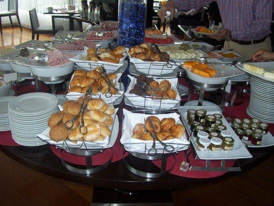Radisson Hotel Decapolis Miraflores: el desayuno