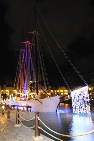 Iberostar Grand Hotel Bavaro: Ship at night