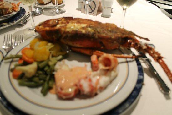 Iberostar Grand Hotel Bavaro: Undercooked buffet lobster - sick for 3 days :(