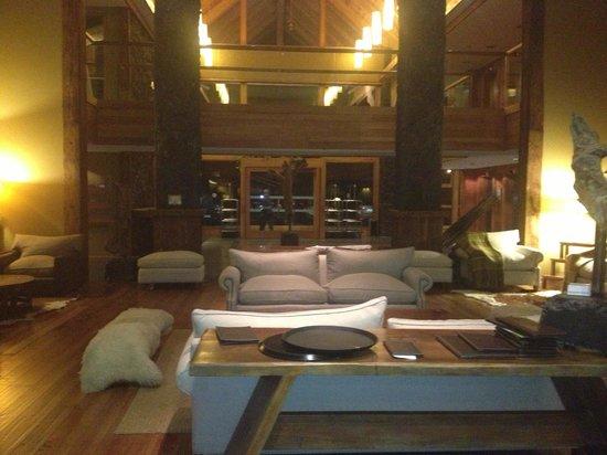 Hotel Cumbres Puerto Varas: Lobby