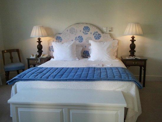The Marine Hermanus: repare na decoração desta cama !
