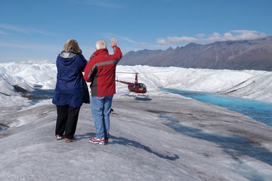 Knik River Lodge: Glacier hiking and exploration tours
