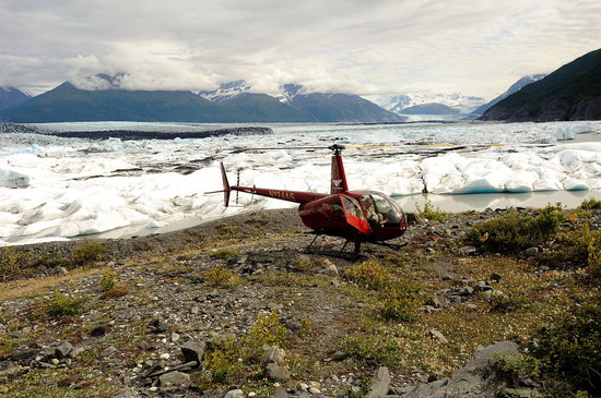 Knik River Lodge: Landing in front of the Knik Glacier