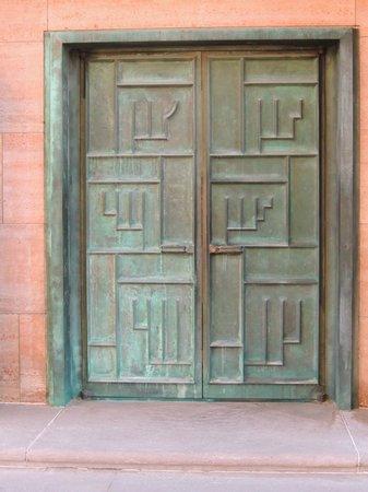 Cranbrook Art Museum: door