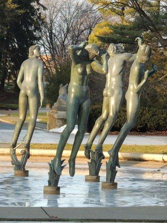 Cranbrook Art Museum: fountain 3