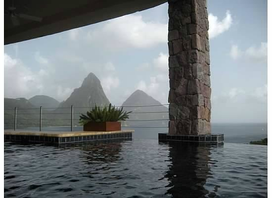Jade Mountain Resort: view from our pool