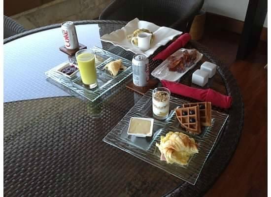 Jade Mountain Resort: breakfast of champions