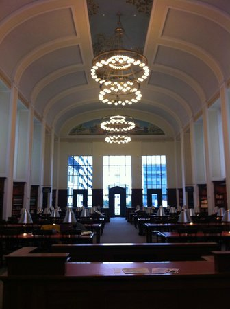 Nashville Public Library: room