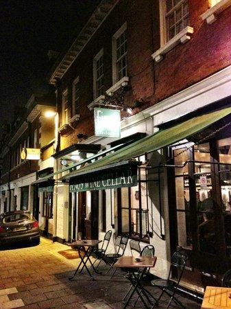 Fino's Wine Bar and Restaurant: Fino's.