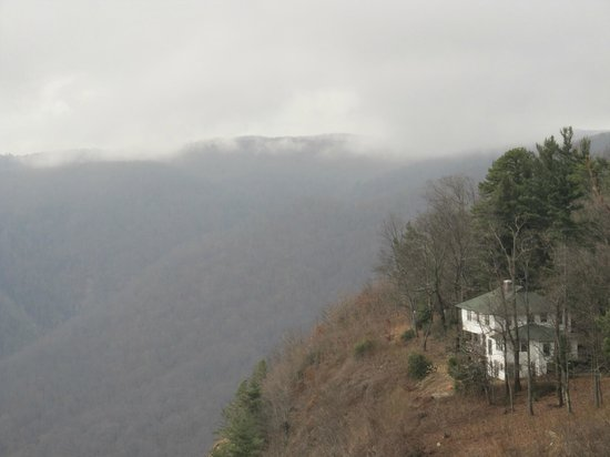 Caesars Head State Park: House of the side of the mountain
