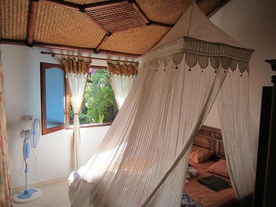 Villa Sumbing Indah: Chambre de la suite