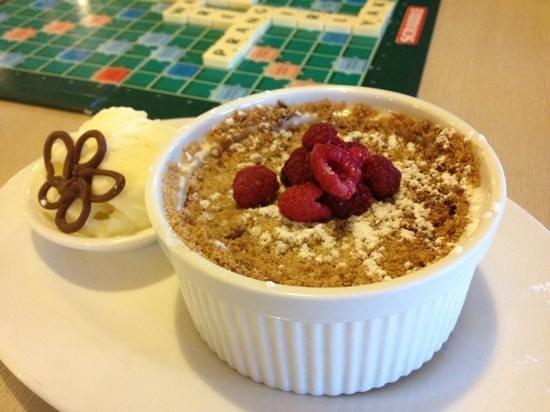 Pedder Wilderness Lodge: Delicious dessert!