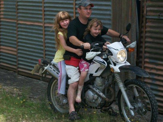 A Kiwi Farmstay: Motor bike riding!