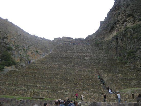 Soltemplet i Ollantaytambo: View of the hillside from the entrance