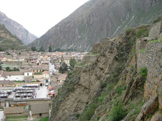 Ναός Ollantaytambo: View of town from the ruins