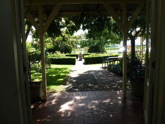 Palliser Estate Winery: Gardens in front of the celler door