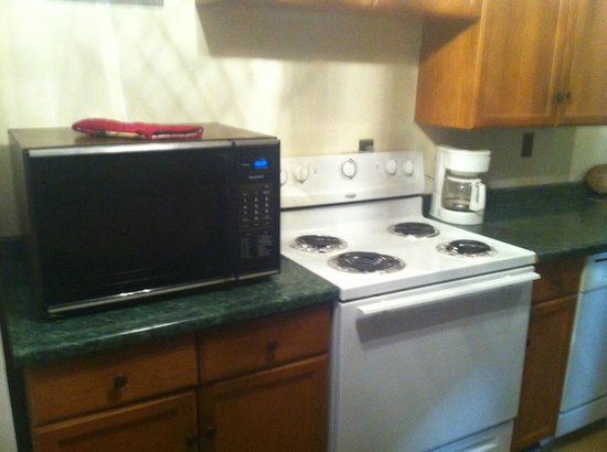 The Garrison: Stove,Oven,Microwave