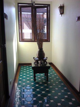 Sri Pat Guest House: corridor