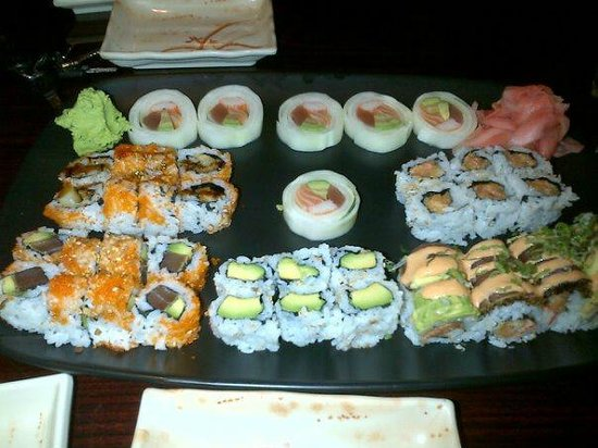 SUSHI HOUSE: Specialty Rolls