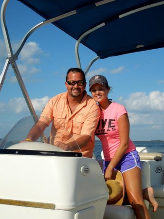 H2O Watersportz: Julie and Travis enjoying a pontoon boat ride