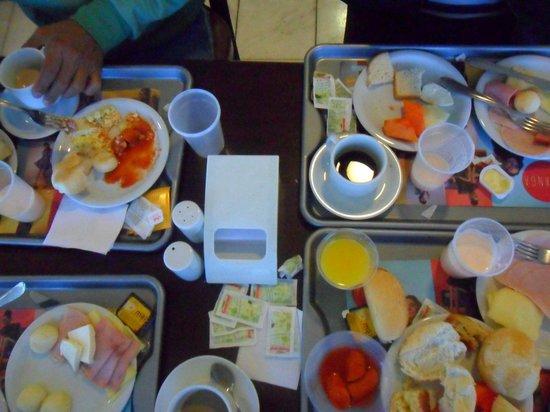 Mega Polo Hotel: cafe da manha