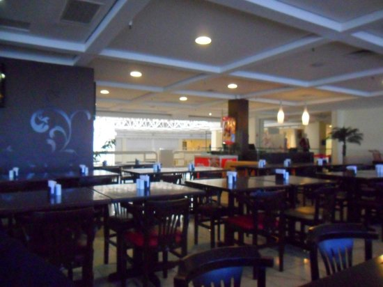 Mega Polo Hotel: Restaurante cafe da manha incluido na diaria