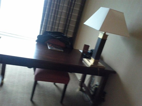 Sheraton Gateway Hotel Toronto Airport: Workstation