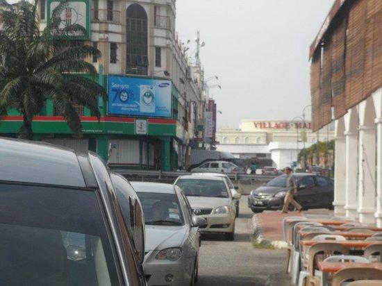 T Hotel Sungai Petani: Nearby shopping