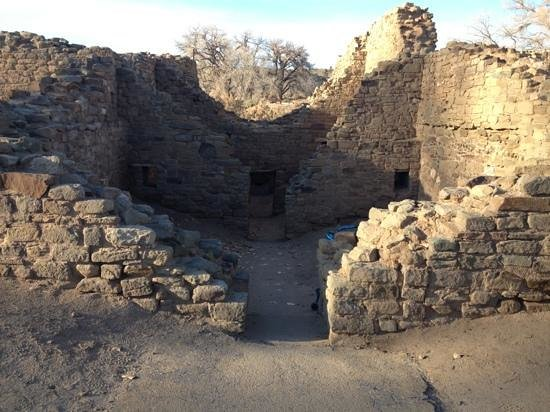 Aztec Ruins National Monument: Into the lower chambers...