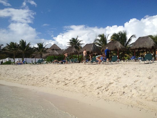 El Dorado Royale, by Karisma: Beach area