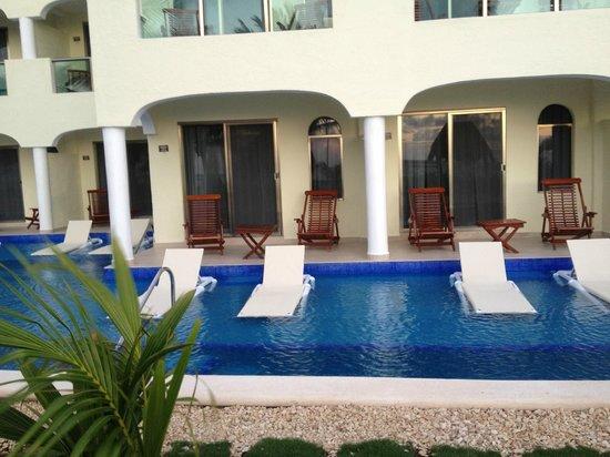 El Dorado Royale, by Karisma: Swim up suites