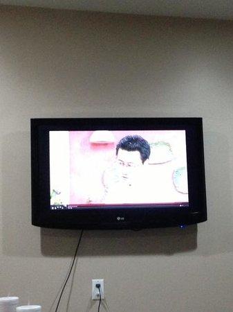Gardena Terrace Inn: lcd tv