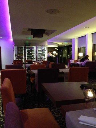 بولمان مونتبيلير سنتر: restaurant