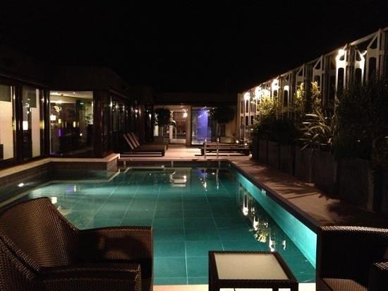 بولمان مونتبيلير سنتر: piscine a ciel ouvert