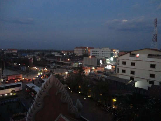 Smiling Hotel: Вид с балкона направо