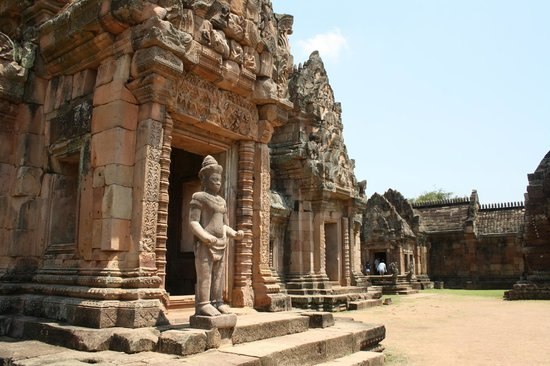 Grand highway to ancient temple - Picture of Phanom Rung ...