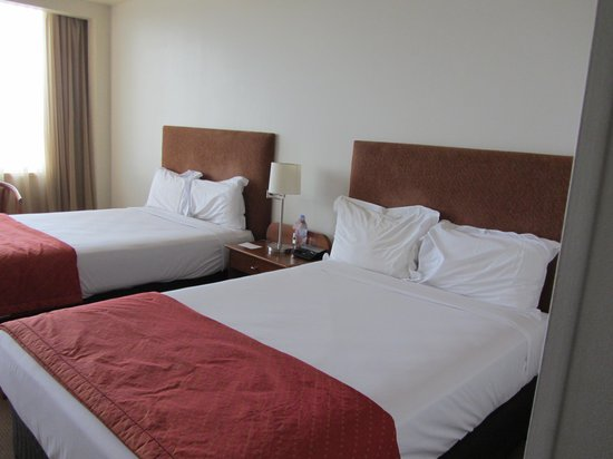 The Ville Resort-Casino: Our room - 2 beds