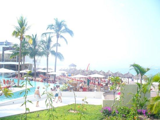 Now Amber Puerto Vallarta: Main pool area from terrace