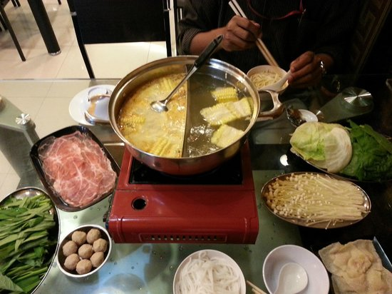 San Laksa Steamboat Pte. Ltd : Look at the thin slices of pork