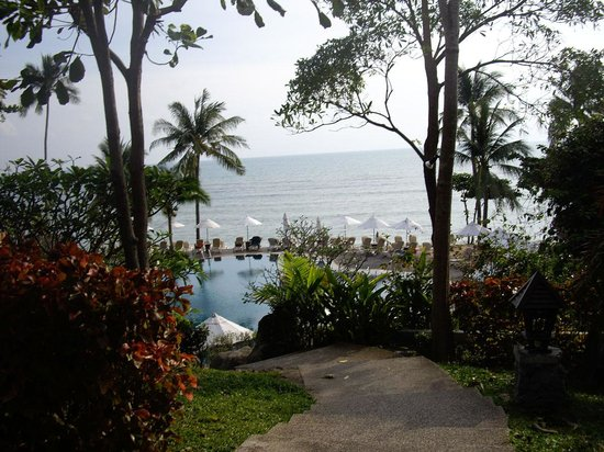 Nora Beach Resort and Spa: View to pool and beach