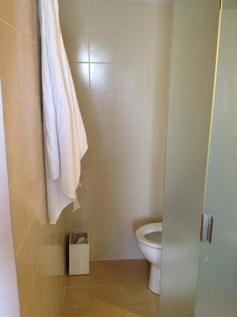 Best Western Kuta Beach: toilet