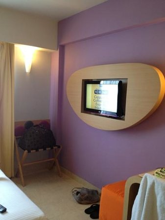 Best Western Kuta Beach: flat screen tv