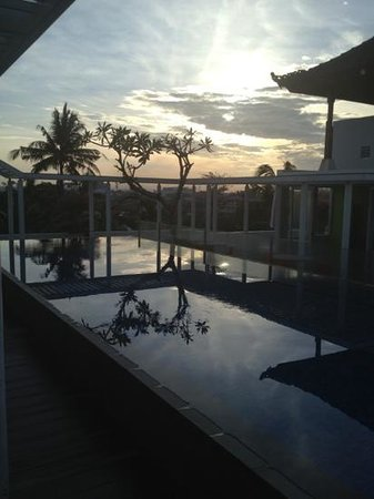 BEST WESTERN Kuta Beach: sun rising