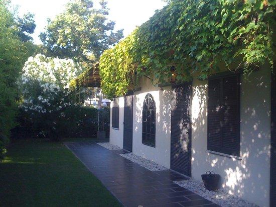 Hotel Atlantic: esterno camere lato giardino