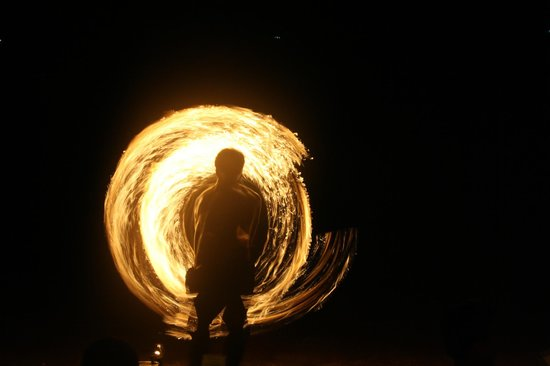 Wind Beach Resort: Fire show