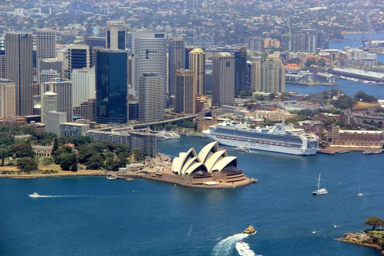 Blue Sky Helicopters: Opera House and City