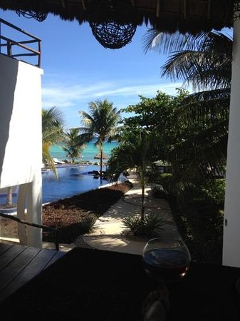 Le Reve Hotel & Spa: this is the view from the lobby, the first thing you see when you arrive