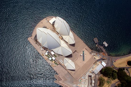 Blue Sky Helicopters: Opera House from above