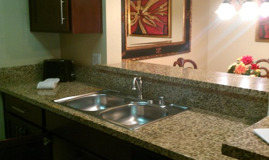 Holiday Inn Club Vacations at Desert Club Resort: Kitchen sink