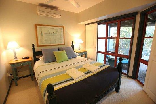 Castaway Cove: Beach House 2nd Bedroom